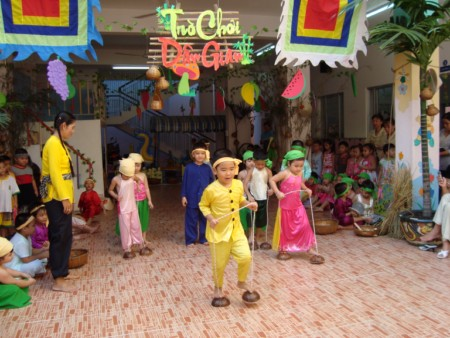 Tổ chức các trò chơi dân gian cho trẻ lứa tuổi mẫu giáo