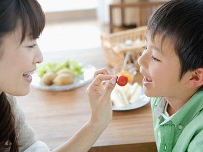 Dinh dưỡng và vận động đối với trẻ béo phì
