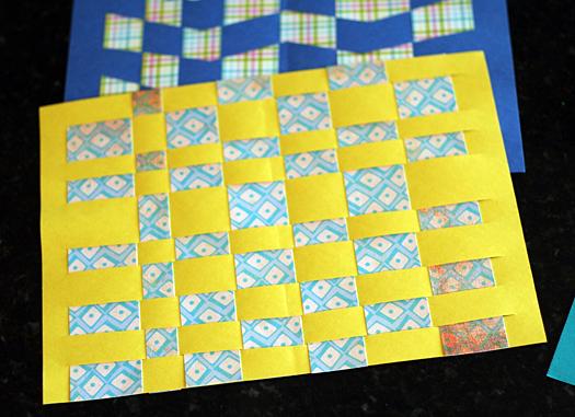 Bài học thú vị cho bé từ trò chơi đan giấy