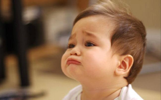 """Những thói quen xấu khiến trẻ bị la mắng nhưng bố mẹ không biết chính mình mới là người """"làm hư"""" con"""
